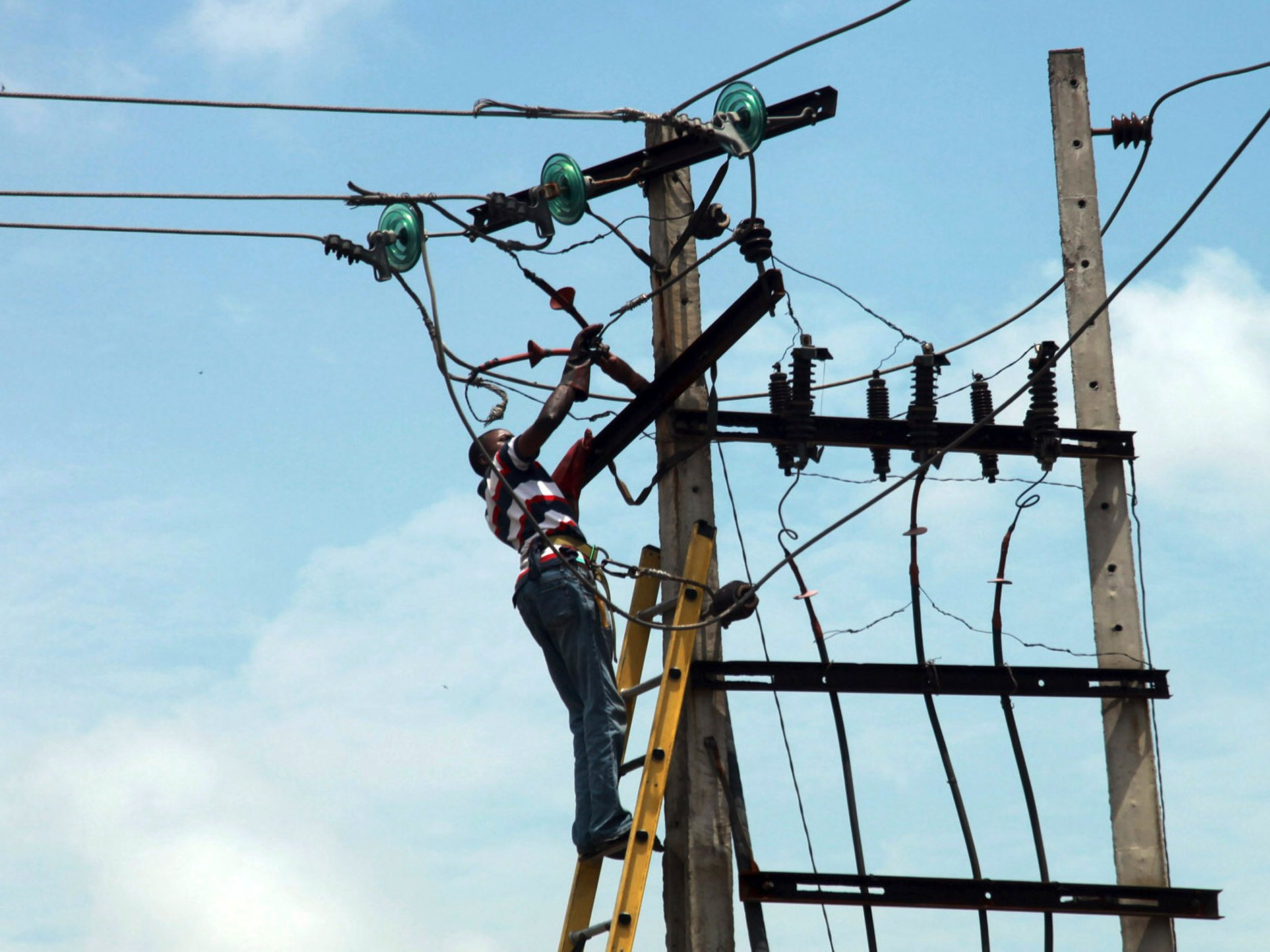 effect of unstable power supply on the nigerian economy Production sector and economic growth of nigeria  illegal access to public power supply are indicative of the  the low and unstable.